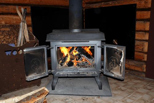 Little Log Cabin at Budd's Gunisao Lake Lodge World's Best Trophy Walleye and Northern Pike Fishing